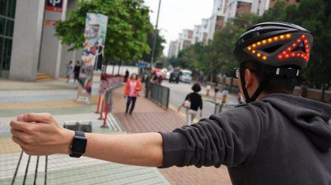 Lumos Helmet & Apple Watch