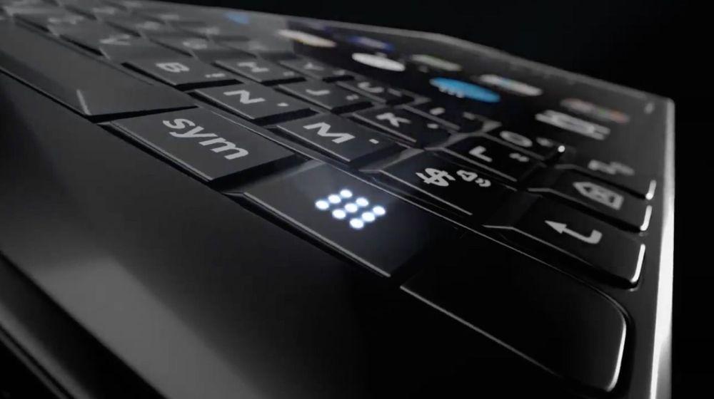 BlackBerry Key2: teaser svela un pulsante misterioso e due telecamere posteriori