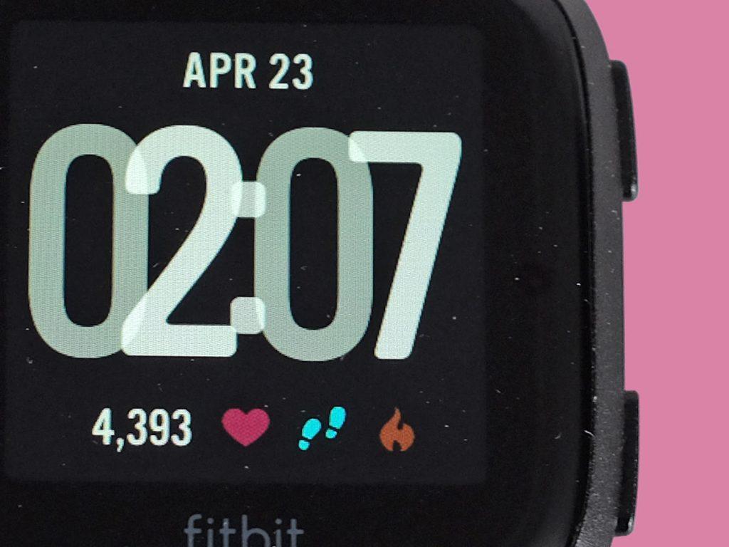 Fitbit Versa: il fitness tracker che gioca a fare lo smartwatch