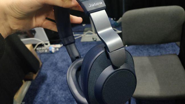 CES 2019 – Jabra sfida Sony e Bose con le cuffie smart Elite 85h