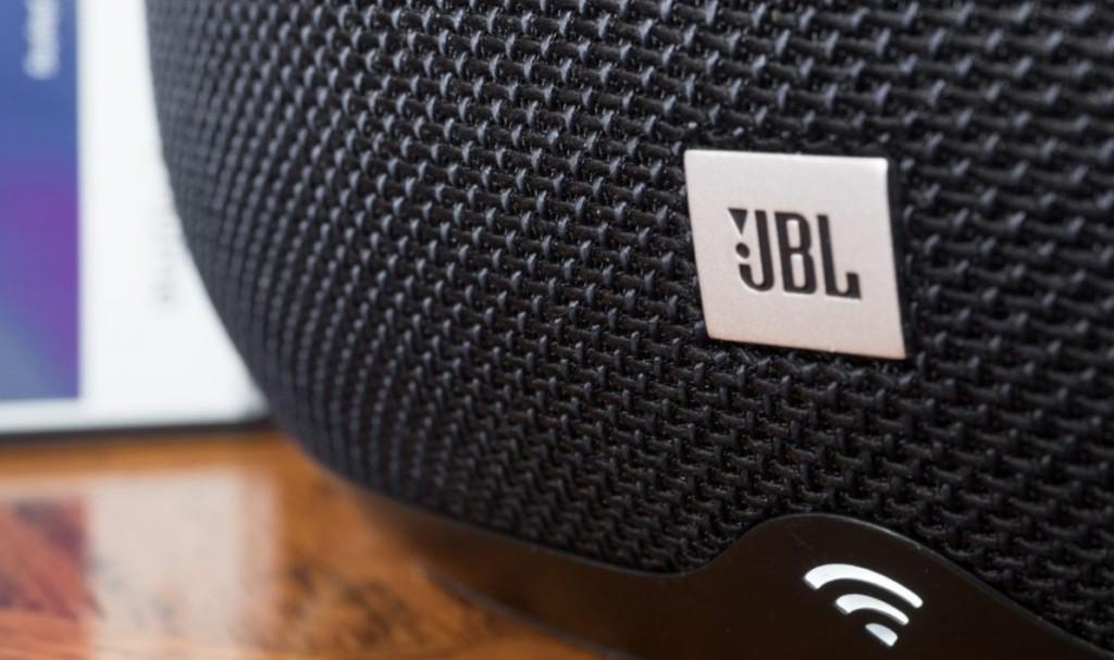 JBL Link 300: quando si esagera con i bassi…