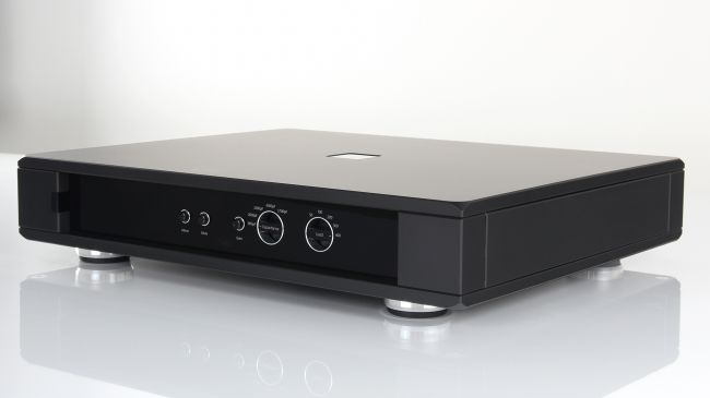 Rega Aura: stadio phono dalla brillantezza assoluta