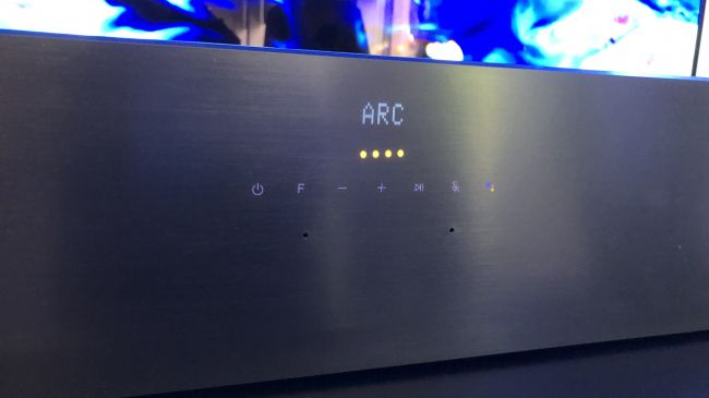 LG SL9YG: la soundbar Dolby Atmos dal carattere incerto