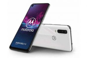 motorola-one-action 1