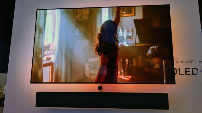 IFA 2019: a tu per tu con il TV Philips OLED+ 984