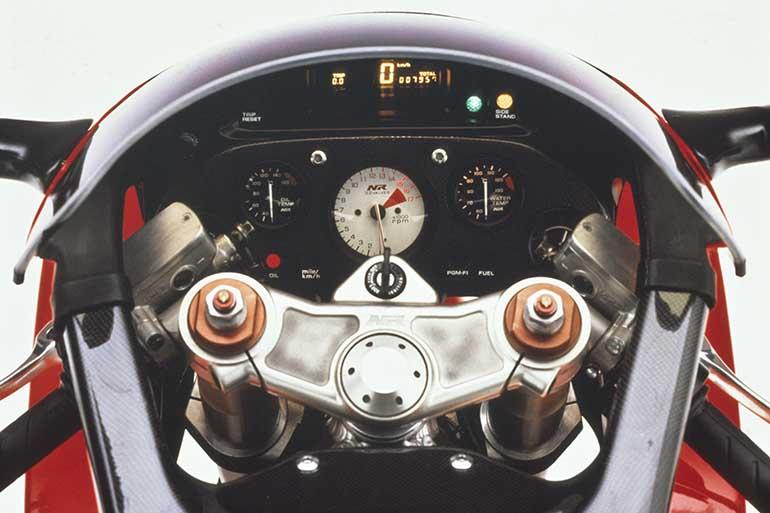 Head-Up Display tattile per le moto Honda di prossima generazione