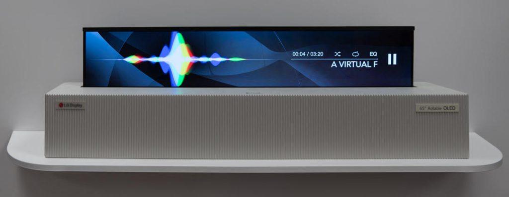 Sharp mostra al mondo un prototipo di TV OLED RGB arrotolabile