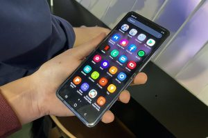 """Galaxy Z Flip: Samsung e la """"conchiglia"""" flessibile"""