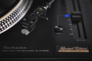 Giradischi SL-1210GAE per il 55° anniversario Technics
