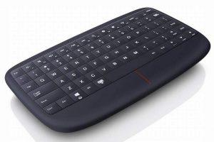 Lenovo 500 Multimedia Controller, la mini tastiera con touchpad